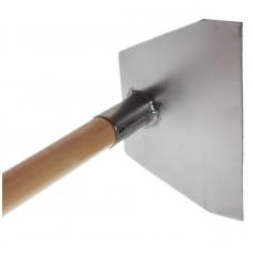 Т-170 Титановая Тяпка 135х170 прямая 2,0мм; черенок: лак/осиновый 130см, ф36мм